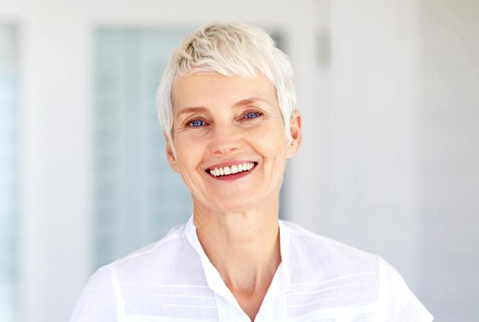 Zahnimplantate (Implantologie) bei Ihrem Zahnarzt Dr. Thomas Schröder in Stuttgart. In der Privatpraxis für Zahnheilkunde erhalten Sie zur Erhaltung Ihre Lebensqualität hochwertige Implantate.