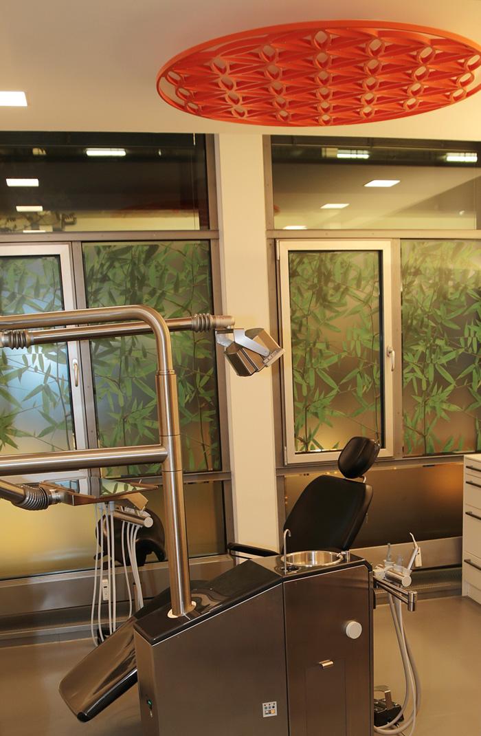 Feng Shui bei Ihrem Zahnarzt Dr. Thomas Schröder, Privatpraxis für Zahnheilkunde in Stuttgart.: In unseren Behandlungszimmern finden Sie die Blume des Lebens, das vollkommenste und kraftvollste aller Energiesymbole.